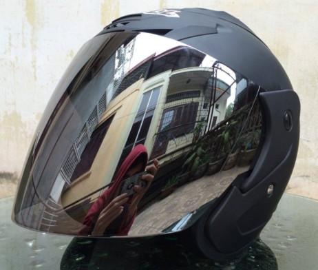 Mũ bảo hiểm kính tráng gương