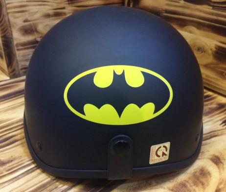 Mũ bảo hiểm nửa đầu Batman