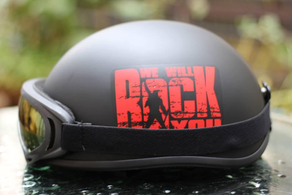 mũ bảo hiểm nửa đầu we will rock you