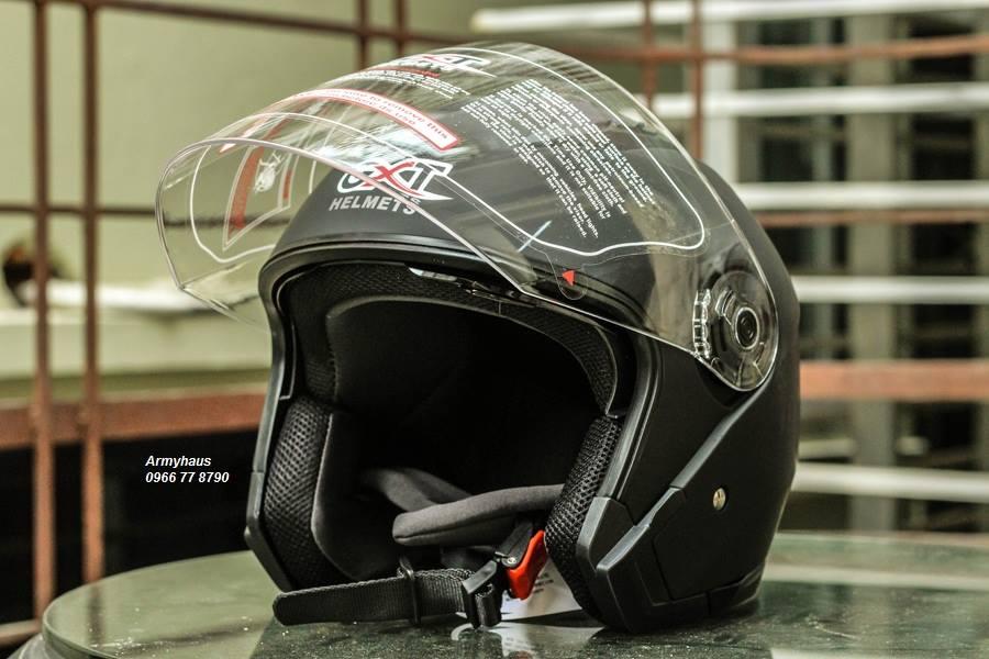 Mũ bảo hiểm có kính GXT