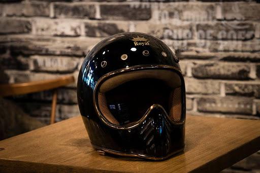 Mũ bảo hiểm cả đầu fullface Royal H1 đen trơn